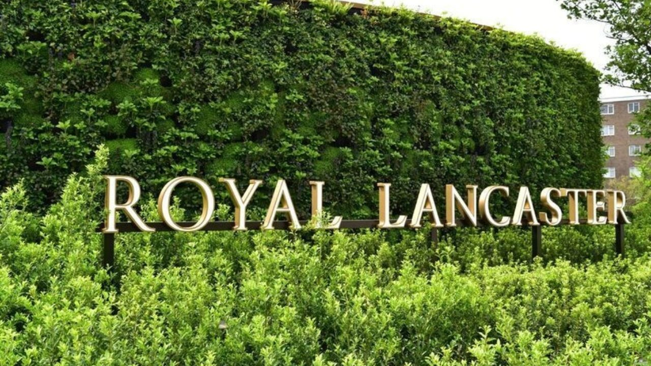 Dramatic Living Wall unveiled at Royal Lancaster Hotel