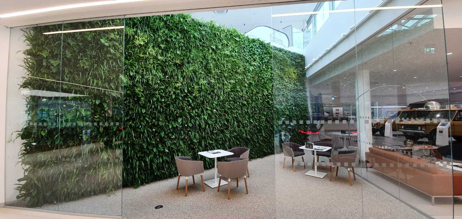 Living Wall Jaguar Landrover Munich