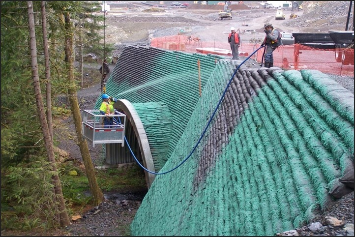 Living wall system for civil engineering projects